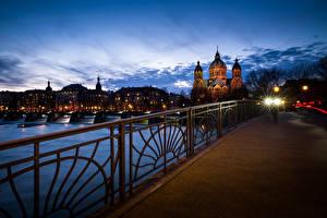Фотографии Мюнхен Германия Здания Вечер Мосты Забор Уличные фонари Города