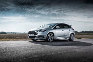 Картинка Серебро Ford Focus, 2015
