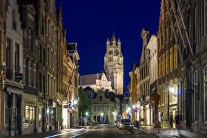 Картинка Бельгия Дома Брюгге Улице Уличные фонари Ночные город