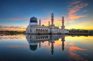 Картинка Вечер Мечеть Храм Малайзия Небо Отражении Likas, Kota Kinabalu