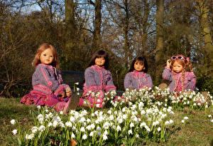 Обои Германия Парки Подснежники Кукла Девочки Grugapark Essen Цветы