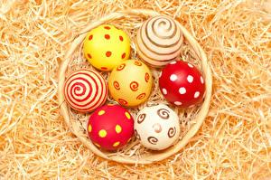 Картинка Праздники Пасха Солома Яйца