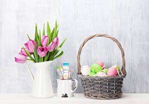 Обои Праздники Пасха Тюльпаны Кувшин Корзинка Яйца Кружка Цветы
