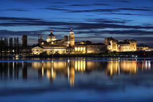 Фотографии Италия Здания Речка Небо Ночные Отражение Mantua Lombardy Города