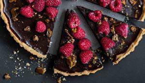 Картинки Пирог Малина Шоколад Кусок Еда