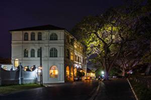 Фотография Шри-Ланка Здания Улица Гостиница Ночь Уличные фонари Деревья Hotel Amangalla Galle