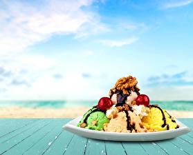 Картинки Сладости Мороженое Орехи Шоколад Доски Еда