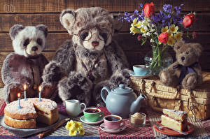 Фото Мишки Букеты Торты Чай Чайник Свечи Чашке Очках Пища
