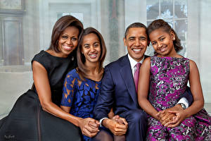 Фотография Барак Хуссейн Обама Мужчины Негры Улыбка Президент Michelle LaVaughn Robinson, Malia, Sasha (Natasha Знаменитости Девушки