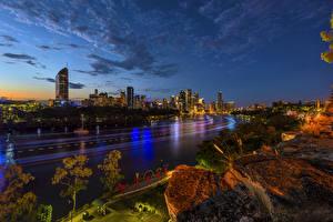 Картинки Брисбен Австралия Дома Дороги Небо Камни Ночь Города