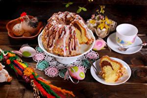 Картинки Пасха Праздники Кулич Яйца Чашка Тарелка Еда