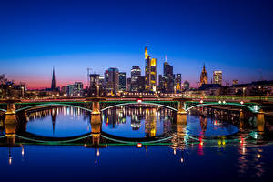Обои Франкфурт-на-Майне Германия Здания Река Мост Ночью город