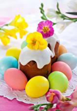 Обои Праздники Пасха Выпечка Кулич Примула Яйца Продукты питания