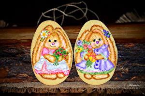 Картинка Праздники Пасха Печенье Яйца Дизайн Двое