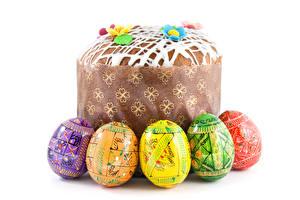 Обои Праздники Пасха Кулич Белый фон Яйца Пища