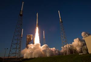 Картинка Ракета Старт Летящий Дым Взлет Atlas V