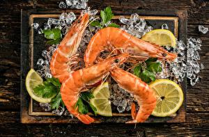 Обои Морепродукты Креветки Лимоны Доски Разделочная доска Лед