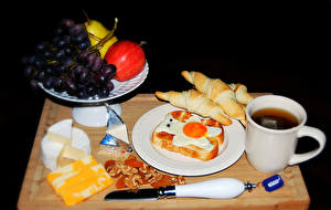 Обои Чай Хлеб Орехи Виноград Нож Чашка Яичница Тарелка Продукты питания