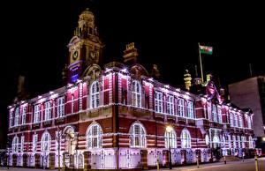 Фото Великобритания Здания Ночные Электрическая гирлянда Гостиница Morgans Hotel Swansea