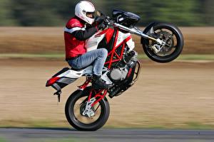 Фото Мотоциклист Движение Шлем 20015-16 Bimota DB6 Delirio