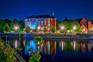 Фотография Берлин Германия Здания Ночь Водный канал Уличные фонари HDR Города