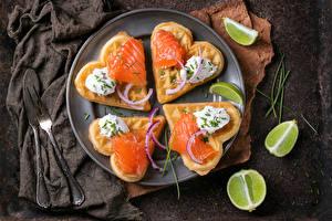 Обои Бутерброды Рыба Выпечка Лайм Сердце Тарелка Продукты питания