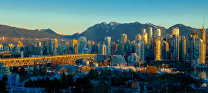 Обои Канада Здания Вечер Небоскребы Мосты Горы Ванкувер
