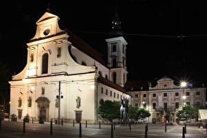 Фотография Чехия Дома Памятники В ночи Brno Города