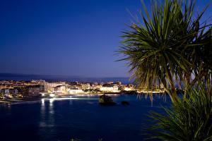 Картинка Франция Дома Ночные Пальмы Залив Biarritz Aquitaine Города