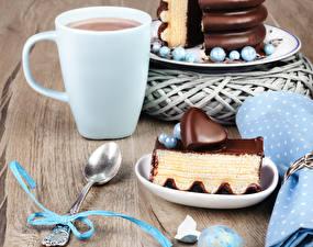 Картинка Какао напиток Пирожное Шоколад Чашка Ложка Сердце Бантик Пища