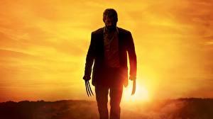 Картинки Hugh Jackman Росомаха герой Мужчины Рассветы и закаты Логан (фильм) Когти Костюм Знаменитости