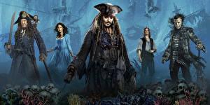 Обои Джонни Депп Кая Скоделарио Пираты Карибского моря: Мертвецы не рассказывают сказки Хавьер Бардем Джеффри Раш Пираты Кино Знаменитости
