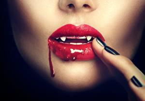 Фото Губы Клыки Вампиры Пальцы Кровь Девушки