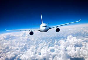 Обои Самолеты Пассажирские Самолеты Небо Облачно Полет Авиация