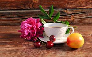 Натюрморт Кофе Пионы Вишня Доски Чашка Еда