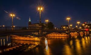 Обои Стокгольм Швеция Речка Мосты Ночные Уличные фонари