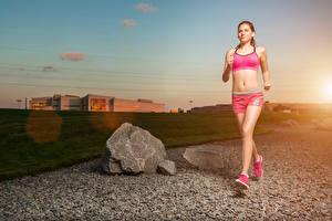 Фото Рассветы и закаты Бег Физические упражнения Девушки Спорт