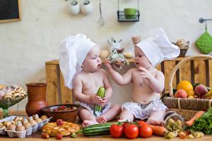 Фото Овощи Младенцы Шапки Двое Повар Дети