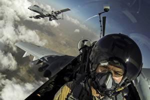 Фотография Самолеты A-10 Thunderbolt II Штурмовики Кабина пилота Шлем Авиация