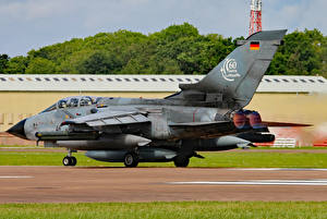 Картинка Самолеты Бомбардировщик Немецкий Panavia Tornado ECR Luftwaffe