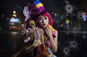 Картинки Азиаты Клоун Шляпа Кукла Девушки