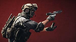 Фотографии Battlefield 4 Солдаты Пистолеты Военная каска Маски
