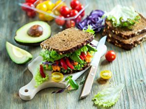 Обои Бутерброды Хлеб Овощи Авокадо Нож Сэндвич Разделочная доска