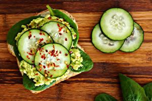 Картинки Бутерброды Огурцы Доски Продукты питания