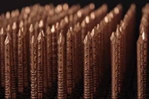Фотографии Вблизи Макросъёмка Металлический Коричневый Гвоздь