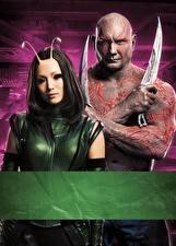 Картинка Стражи Галактики. Часть 2 Мужчины Ножик Инопланетяне Двое Drax, Mantis Кино Знаменитости