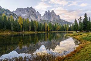 Обои Италия Озеро Горы Пейзаж Деревья Отражается Lake Antorno Природа