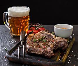 Картинка Мясные продукты Пиво Разделочная доска Кружка Пена Еда
