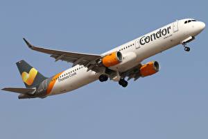 Обои Самолеты Пассажирские Самолеты Эйрбас Летящий Airbus A321-211 Condor