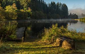 Фотографии Шотландия Озеро Леса Лодки Пристань Trossachs Природа